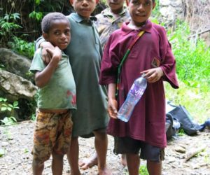 Papua New Guinea kids in the jungle